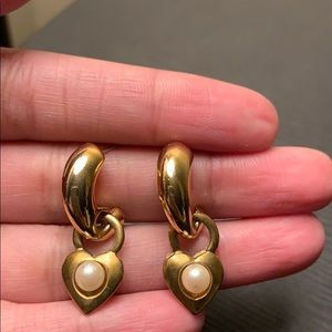 Jewelry - Vintage Gold Heart With Pearl Earrings